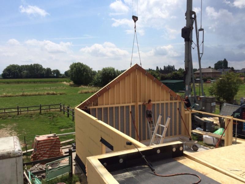 monteren dakconstructie werkplaats