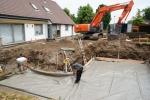 Grondwerken-betonwerk-zwemvijver