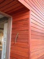 Uitwerken portaal in Padouk - houten gevelbekleding