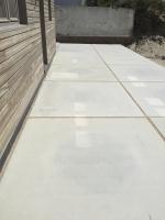 plaatsen van betonnen vloerplaten