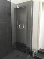 nieuwe badkamer met inloopdouche